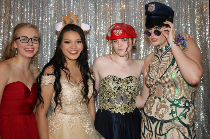 Reasons as to why you should have a Peterborough Photo Booth Rental at your Party